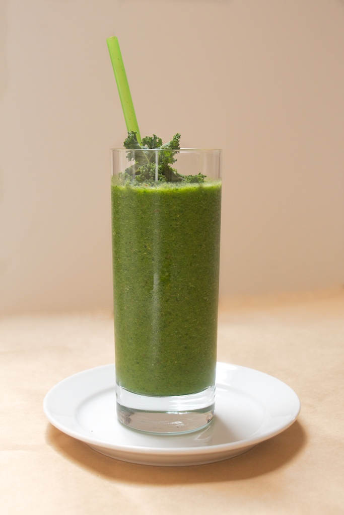 green smoothie recipe from sass & veracity
