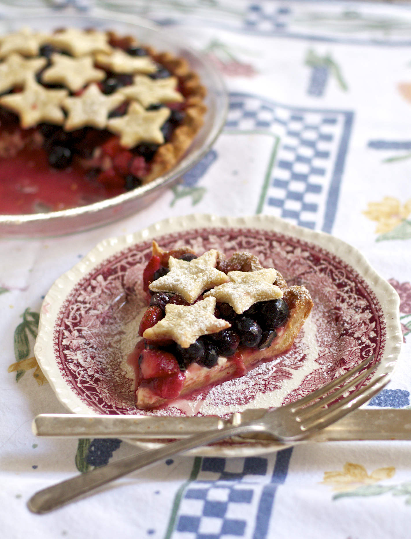 Strawberry and Blueberry Cream Cheese Pie - Sass & Veracity